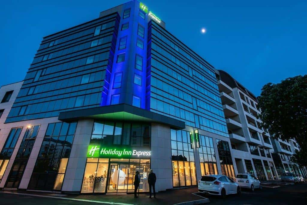 HOLIDAY INN EXPRESS ROUEN CENTRE RIVE GAUCHE***