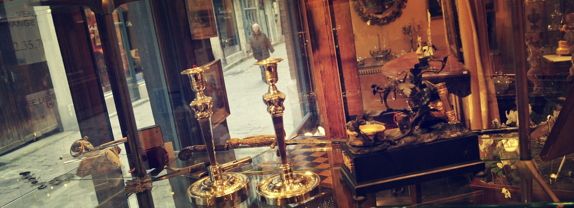 Antiques Dealers in Rouen & Art Galleries