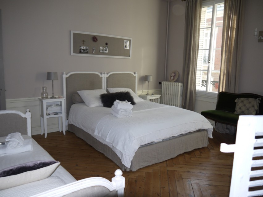 au bonheur de jeanne rouen chambres d 39 h tes normandie normandie. Black Bedroom Furniture Sets. Home Design Ideas